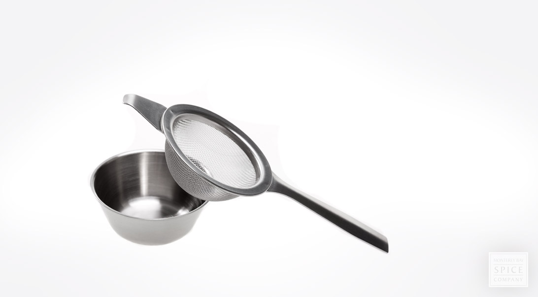 Strainer-stainless w/drip bowl